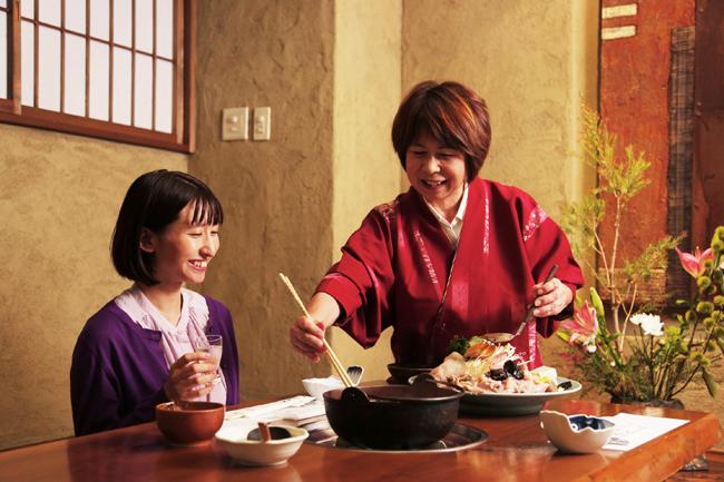 あんこう鍋の調理(写真全て茨城郷土料理 山翠)